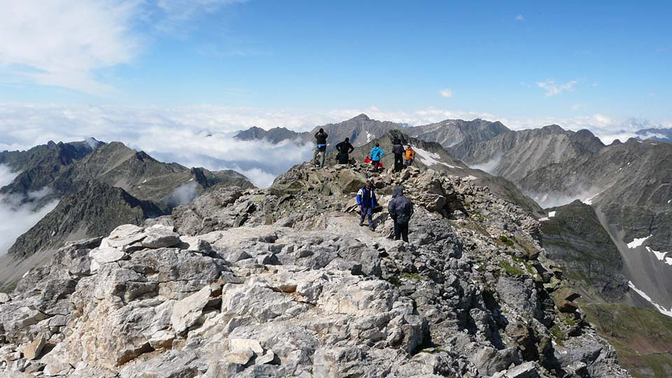 Randonnee-Sommets-Pretigieux-Ete-Bureau-Guides-Pyrenees-Ariege-2