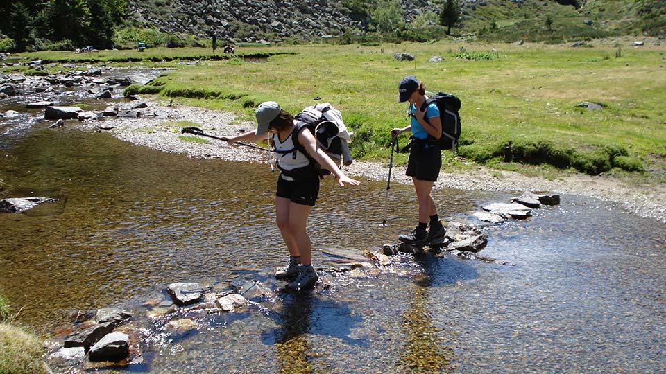 Randonnée Sportive - Ruisseau - Sommets Prestigieux - Bureau des Guides Pyrénées Ariège - 4