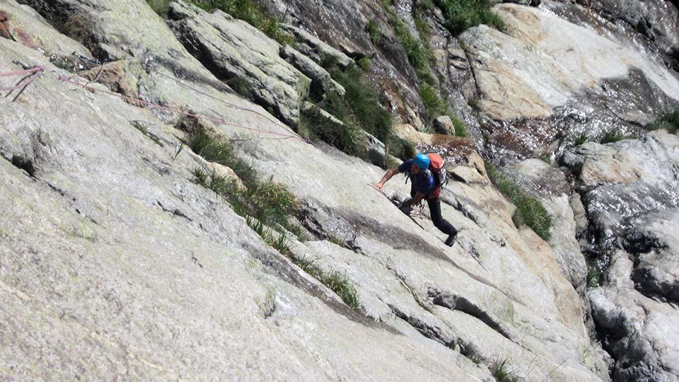 Escalade - Dent d'Orlu - Le mythe : Les enfants de la Dalle - Course - Bureau des Guides des Pyrénées Ariégeoises - 1