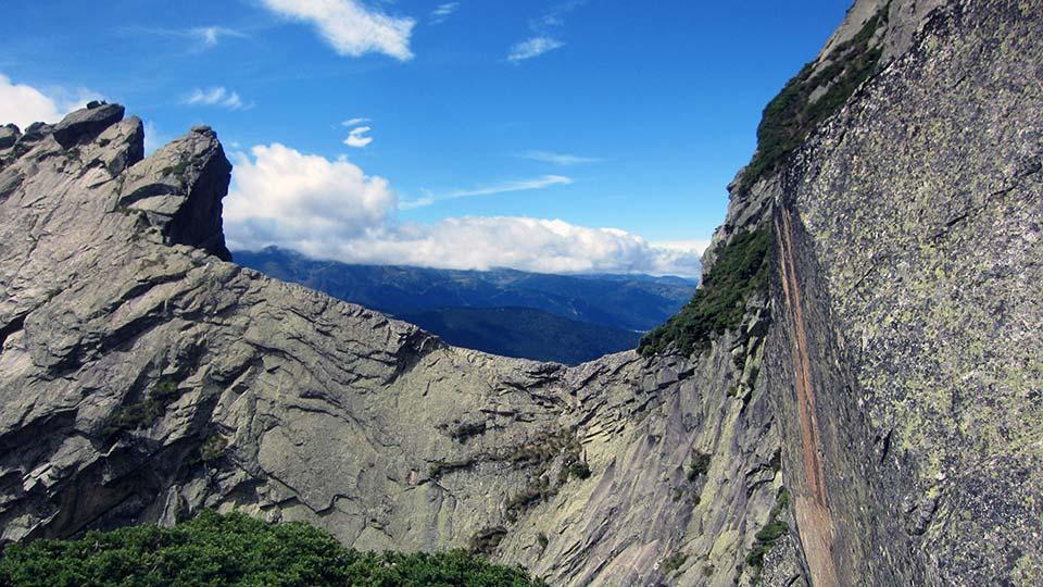 Escalade-Dent-Orlu-Enfants-Dalle-Course-Bureau-Guides-Pyrenees-Ariege-2