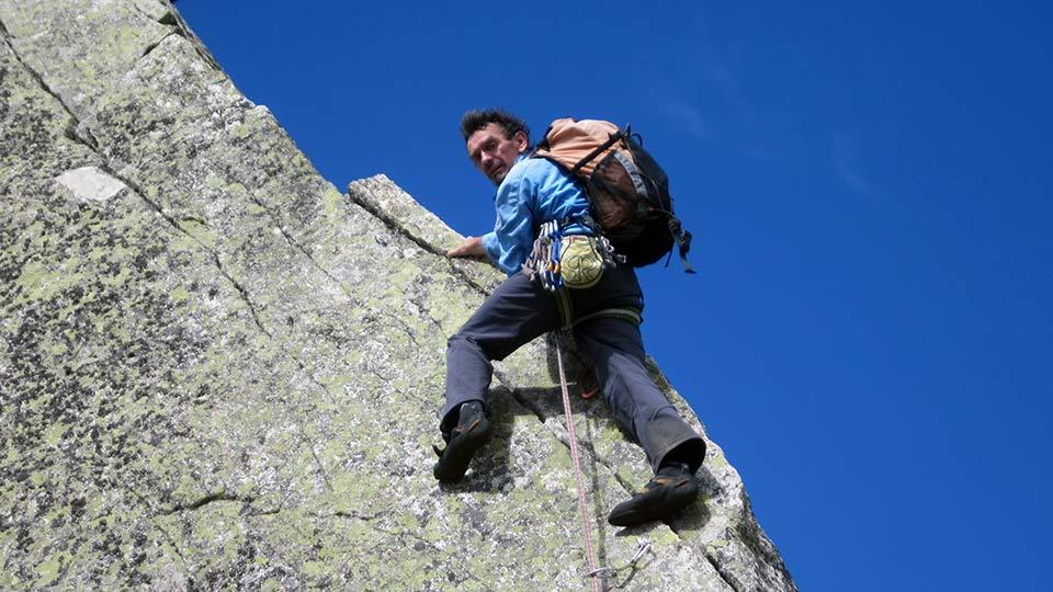 Escalade-Dent-Orlu-Enfants-Dalle-Course-Bureau-Guides-Pyrenees-Ariege-6