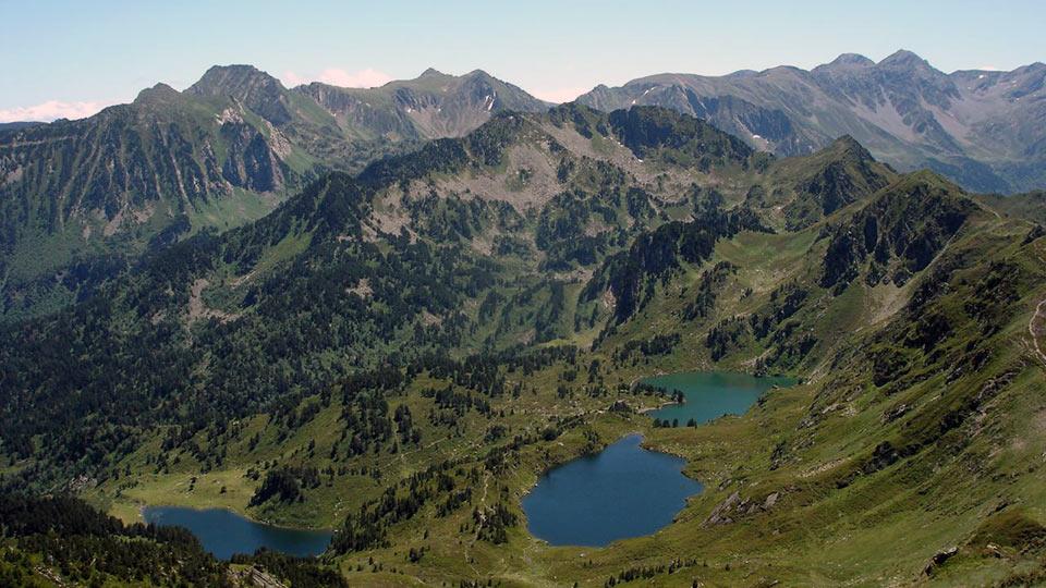 Randonn e lacs estives rabassoles bureau guides pyrenees for Bureau pyrenees