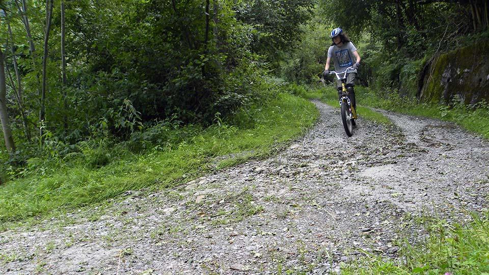 Arapaho Descente du plateau de Beille - Bureau des guides Ariège Pyrénées