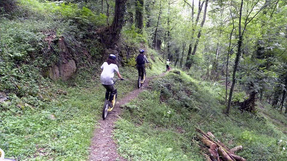 Arapaho-Famille-Descente-Bureau-Guides-Ariege-Pyrenees-5