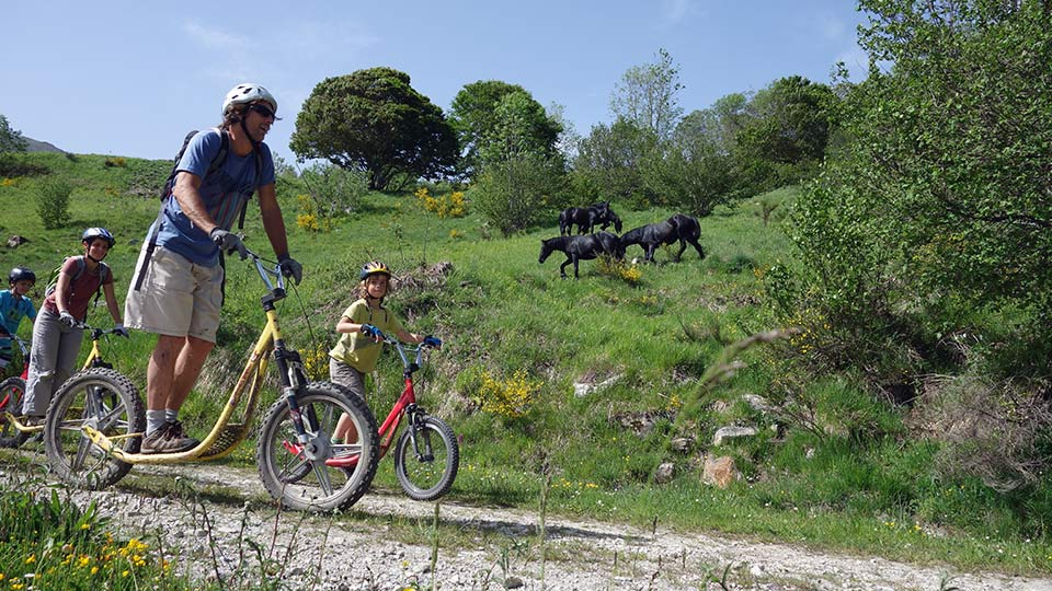 Arapaho-Famille-Descente-Luzenac-Bureau-Guides-Ariege-Pyrenees7