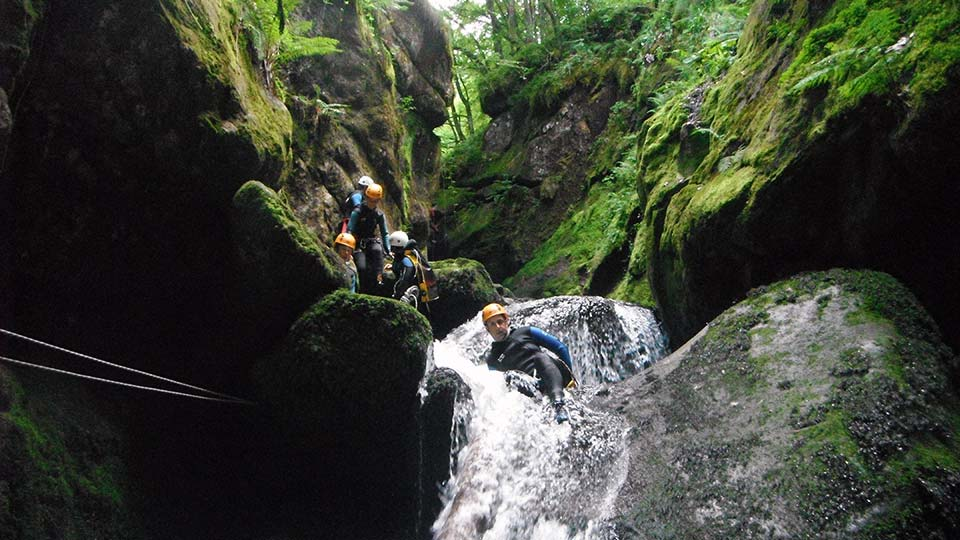 Canyon de l'Escales - Toboggan - Bureau des Guides Ariège Pyrénées - 2