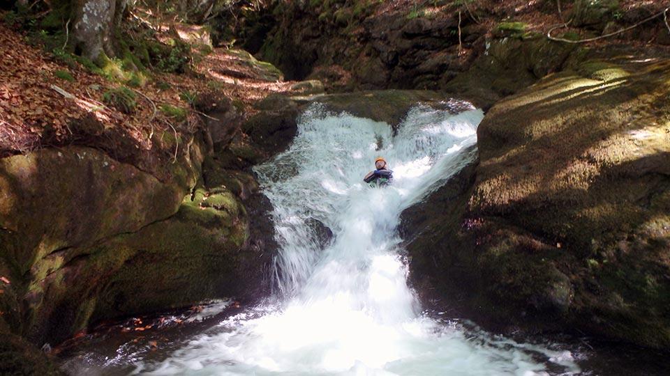 Canyoning - Canyon de l'Escales - Bureau des Guides Ariège Pyrénées