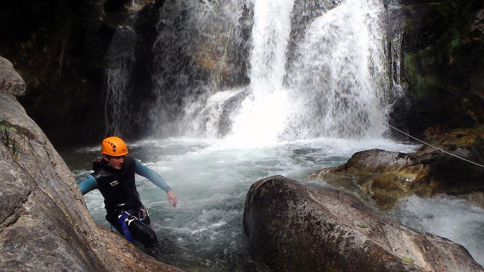 Canyon Orlu - Bureau des Guides des Pyrénées Ariégeoises