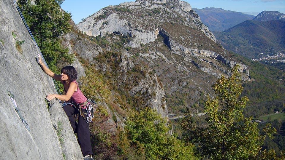 Escalade-Rocher-Falaise-Bureau-Guides-Ariege-Pyrenees-5