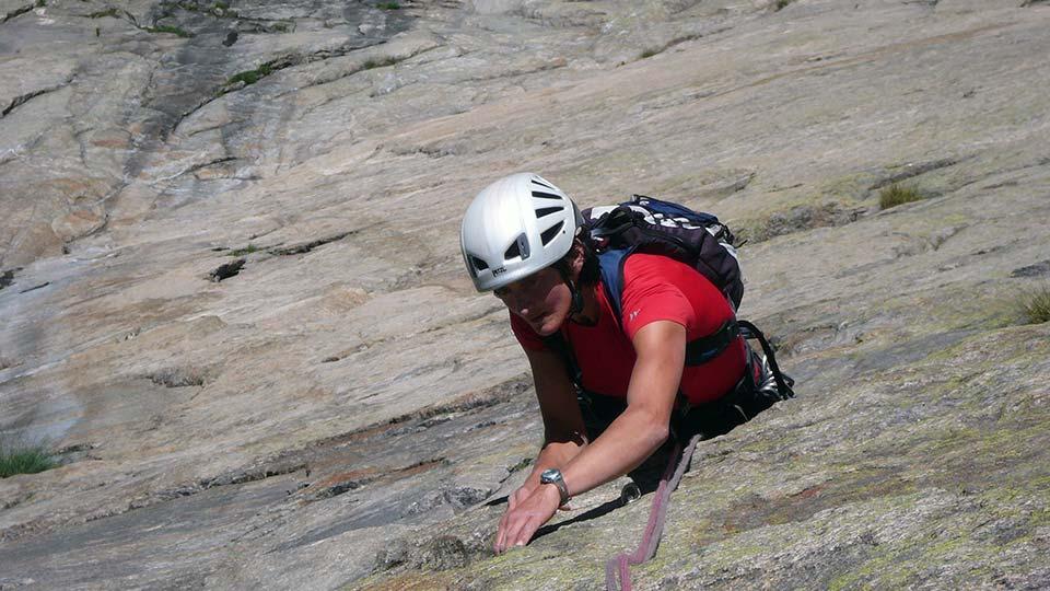 Escalade - Dent d'Orlu - Face Est - Bureau des Guides Ariège Pyrénées - 4
