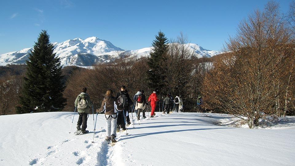 Balade hors des sentiers balisés en raquettes à neige avec le Bureau des Guides des Pyrénées Ariégeoises