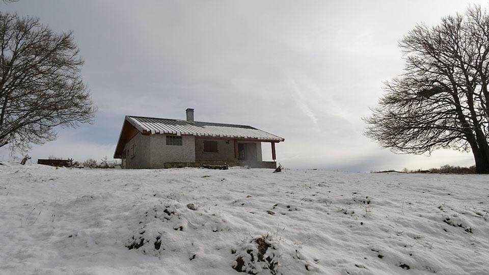 Raquettes neige balade et repas en cabane pastorale for Bureau pyrenees