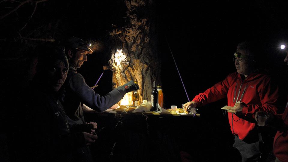 Raquettes-apero-nocturne-bureau-guides-ariege-pyrenees-10