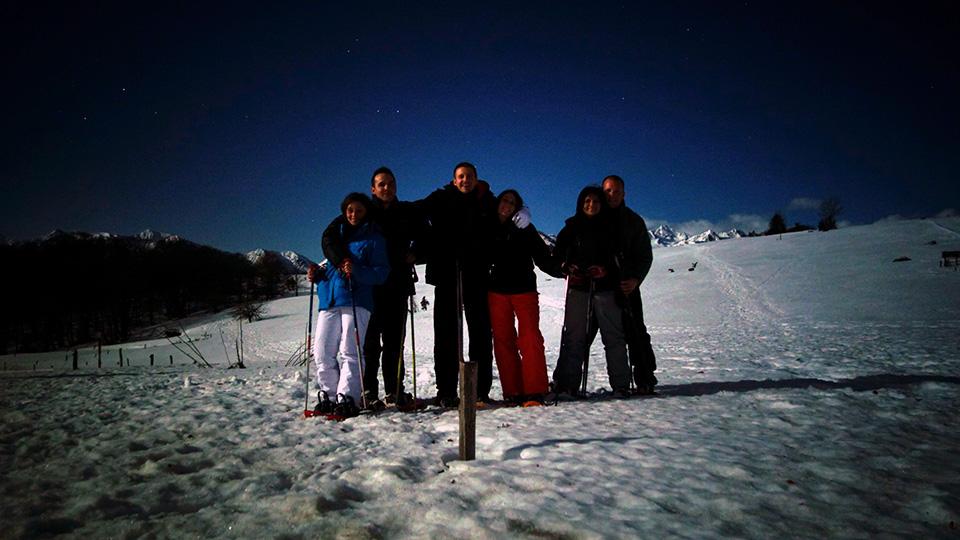 Raquettes-apero-nocturne-bureau-guides-ariege-pyrenees-2