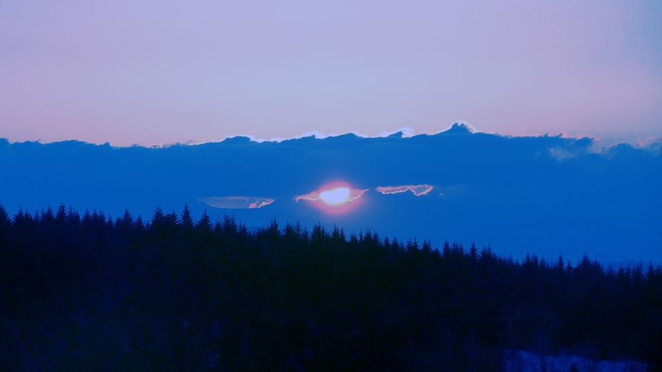Raquettes-apero-nocturne-bureau-guides-ariege-pyrenees-4