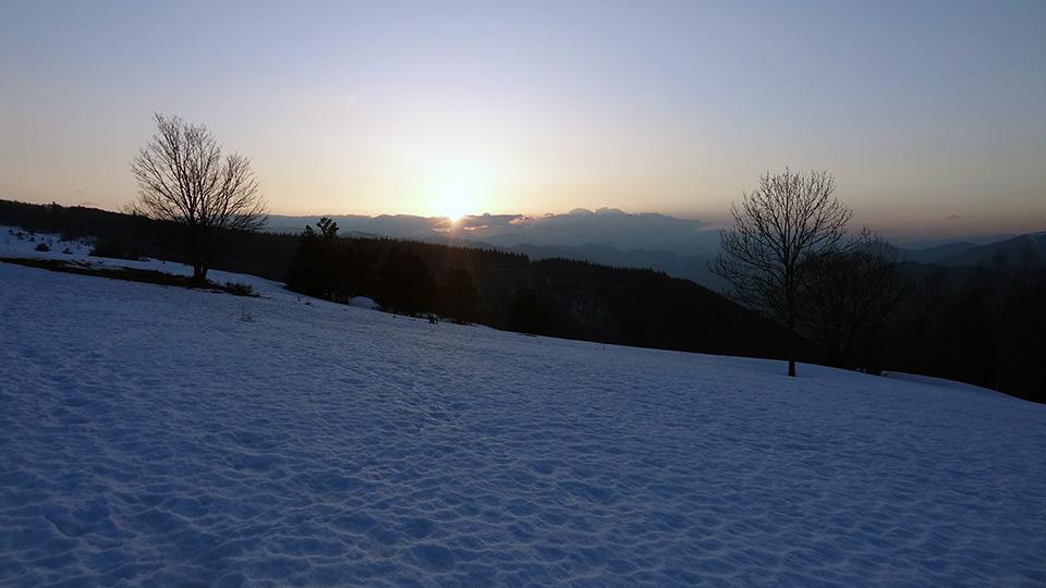 Raquettes-apero-nocturne-bureau-guides-ariege-pyrenees-5