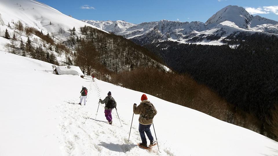 Raquettes-descente-Ascou-Bureau-Guides-Ariege-Pyrenees-5