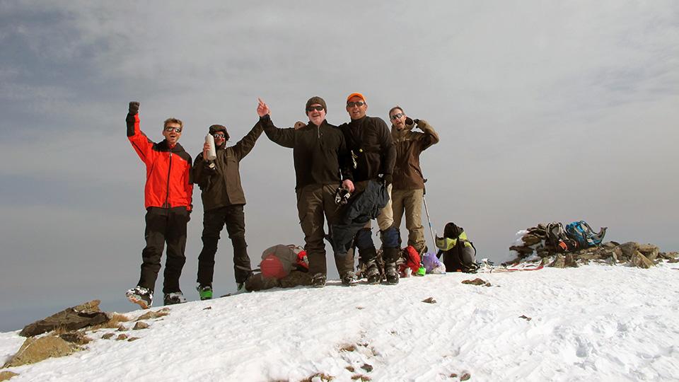 Ski de randonnée - Une pente un sommet - Bureau des Guides des Pyrénées Ariégeoises