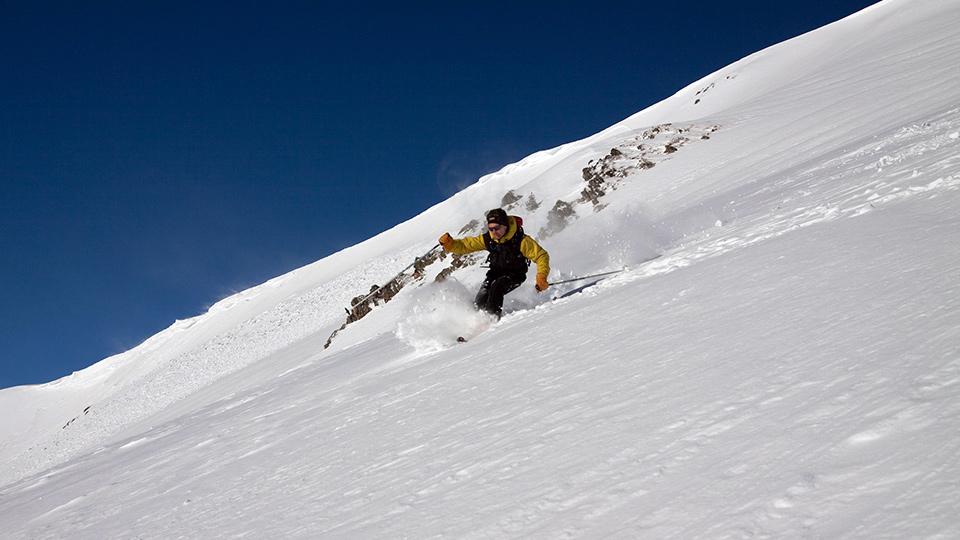 Ski-hors-piste-freeride-Bureau-Guides-Ariege-Pyrenees-3