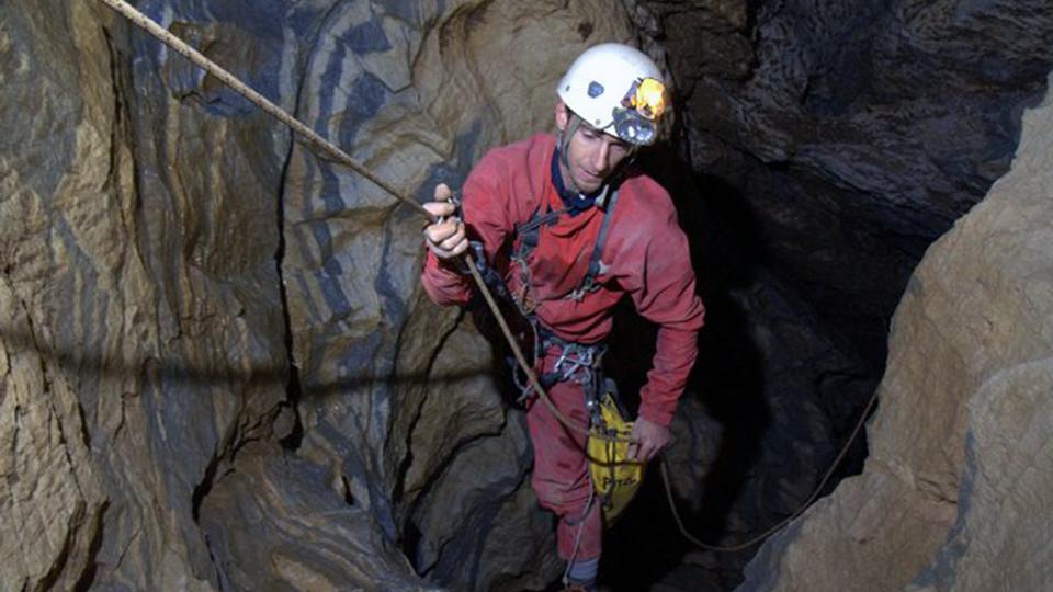 Speleologie-Explo-Gouffre-Georges-Bureau-Guides-Ariege-Pyrenees-1