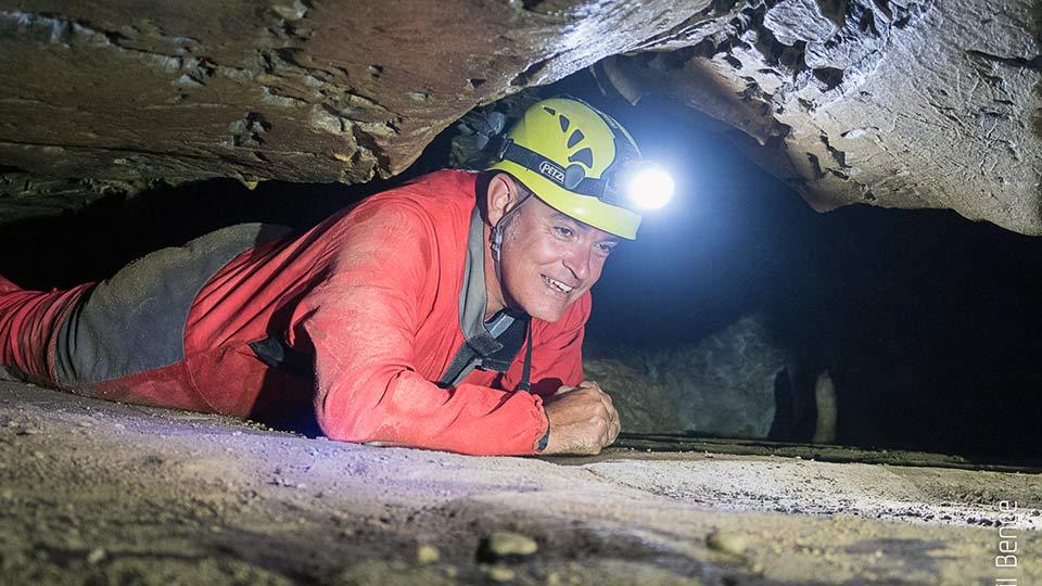 Spéléologie Grotte de Siech - Initiation en famille - Bureau des guides des Pyrénées Ariégeoises - 1