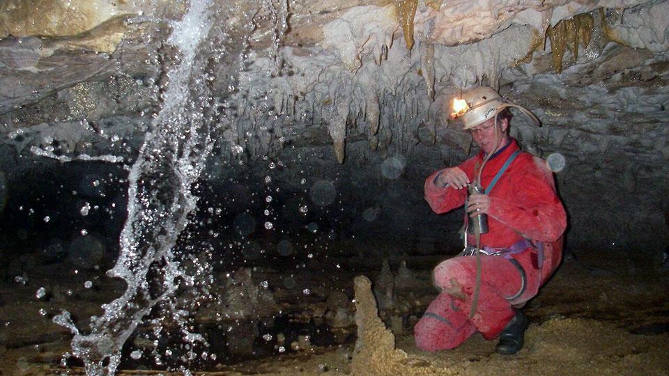 Speleologie-Sakanie-Bureau-Guides-Ariege-Pyrenees-4