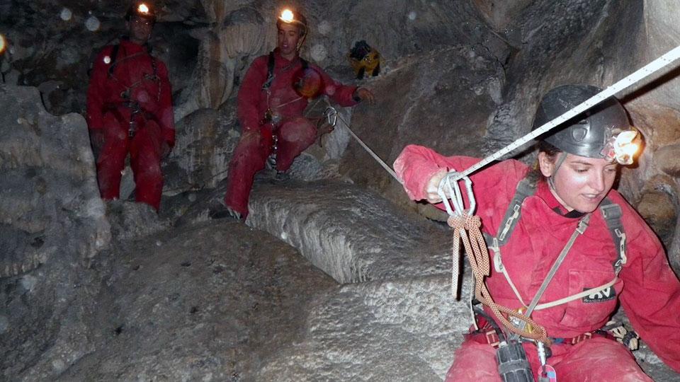 Speleologie-Sakani-Bureau-Guides-Ariege-Pyrenees-5