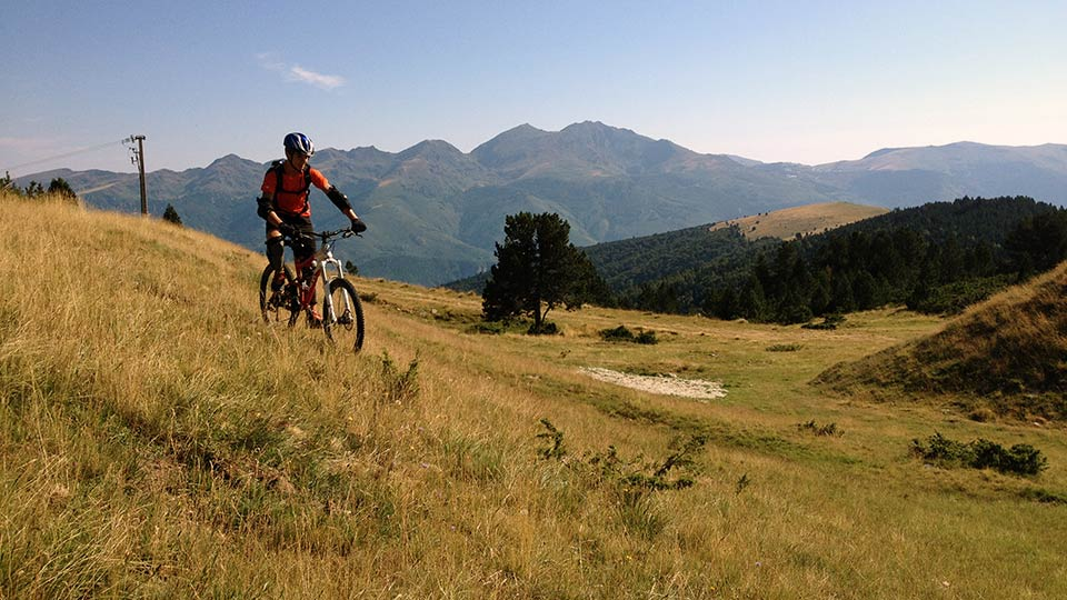 Vtt de montagne descente de beille ari ge pyr n es for Bureau pyrenees