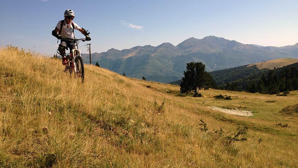VTT-Montagne-Descente-Beille-Plateau-Bureau-Guides-Ariege-Pyrenees-3