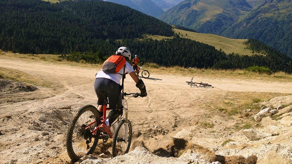 VTT-Montagne-Descente-Beille-Plateau-Bureau-Guides-Ariege-Pyrenees-5
