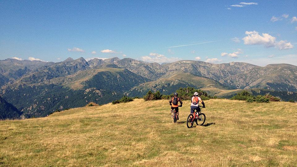 VTT-Montagne-Descente-Beille-Plateau-Bureau-Guides-Ariege-Pyrenees-8
