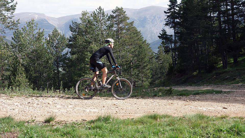 VTT de montagne, descente de Beille avec Guides Ariège Pyrénées