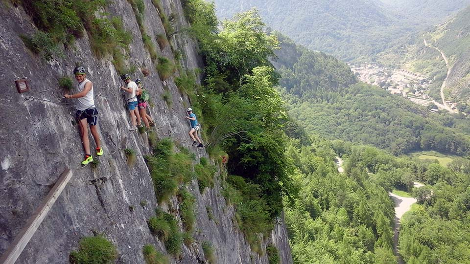 Via ferrata face nord bureau guides ariege pyrenees 1 for Bureau pyrenees