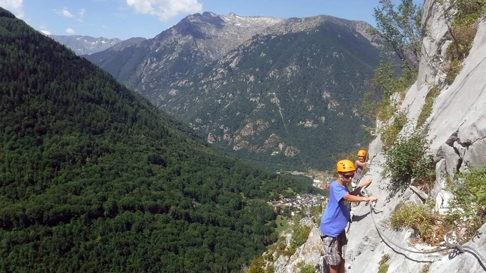 Via-Ferrata-Sud-Initiation-Bureau-Guides-Ariege-Pyrenees-1