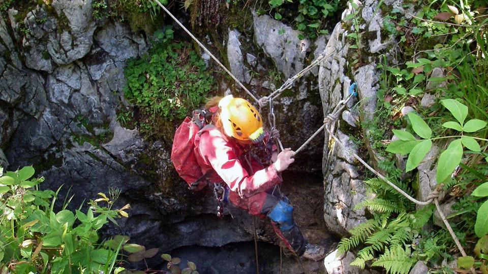 speleologie-belesta-initiation-verticale-bureau-guides-ariege-pyrenees-2