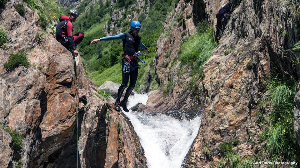 Canyon-de-l'Artigue-Saut-Bureau-des-Guides-Ariege-Pyrenees-2