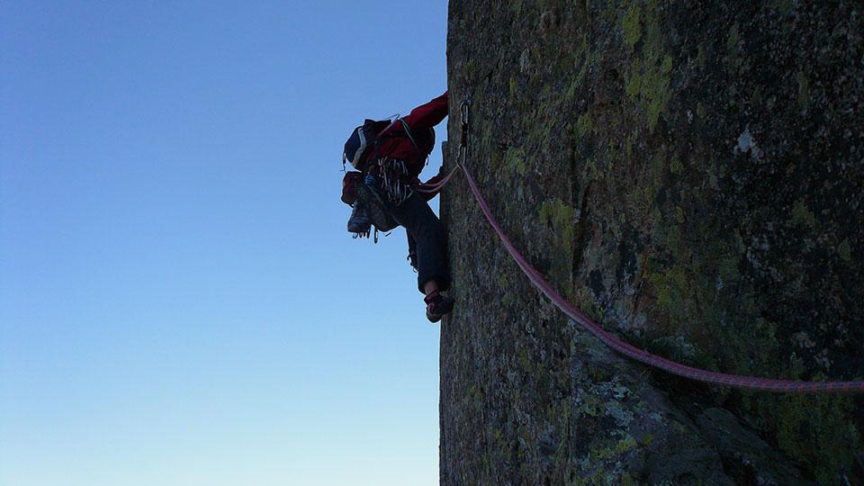 Alpinisme été - Dent d'Orlu Arrête Est - Bureau des Guides des Pyrénées Ariégeoises