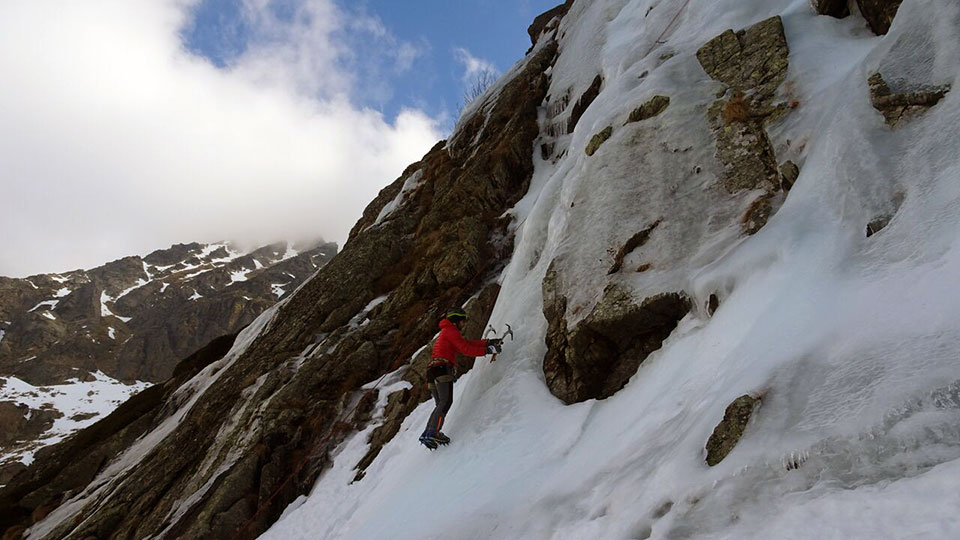 cascade-rulhe-bureau-guides-ariege-pyrenees-6