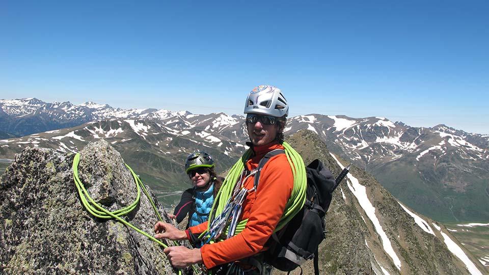 Alpinisme été - La Haute Montagne tout en douceur - Arête Gentianes - Bureau des Guides Ariège Pyrénées - 3