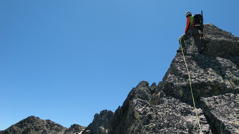 Alpinisme été - La Haute Montagne tout en douceur - Arête Gentianes - Bureau des Guides Ariège Pyrénées - 2