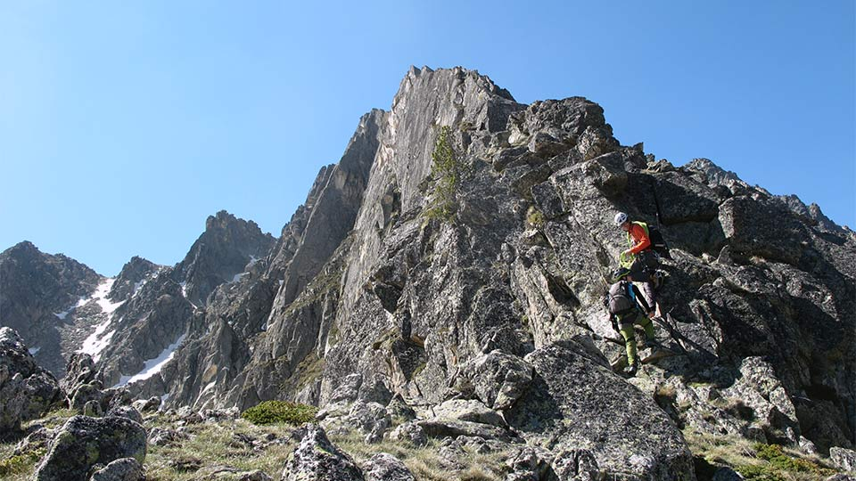Alpinisme été - La Haute Montagne tout en douceur - Arête Gentianes - Bureau des Guides Ariège Pyrénées - 4