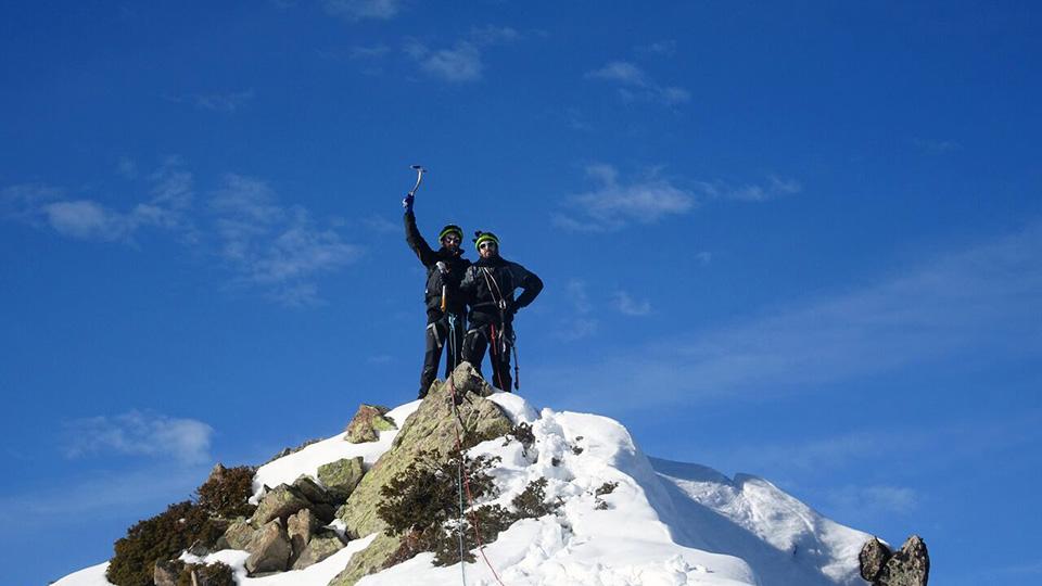 Alpinisme Hiver - Couloir des Pyrénées - Bureau des Guides des Pyrénées Ariégeoises - 7