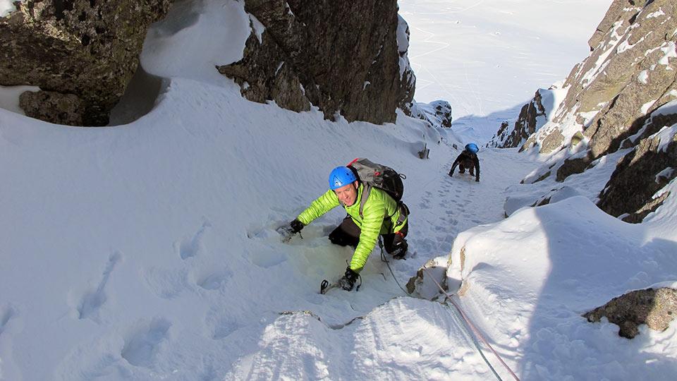 Alpinisme Hiver - Couloir des Pyrénées - Bureau des Guides des Pyrénées Ariégeoises - 1