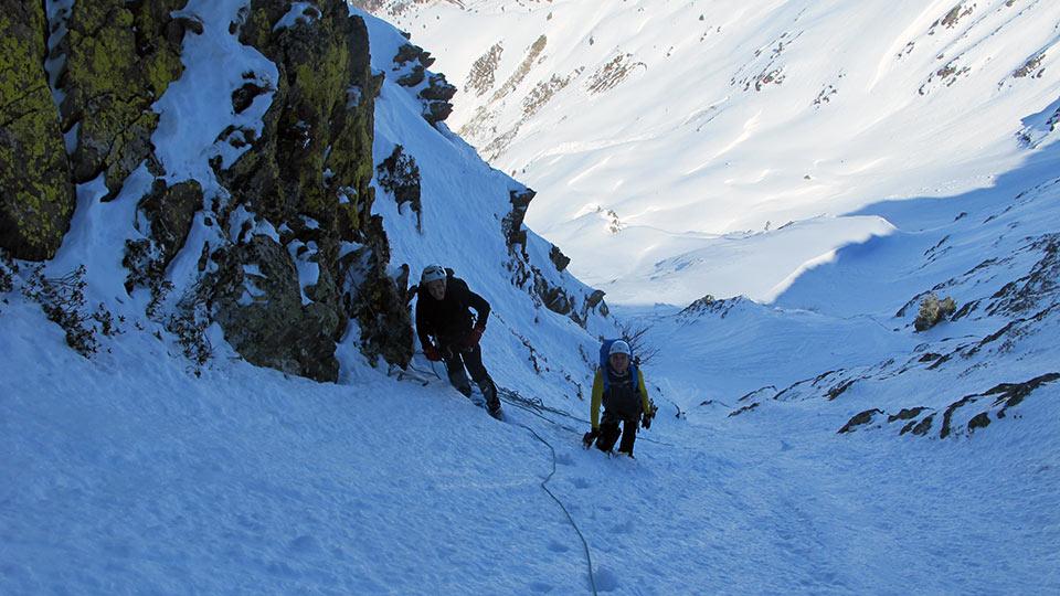 alpinisme hiver couloir pyrenees bureau guides ariege