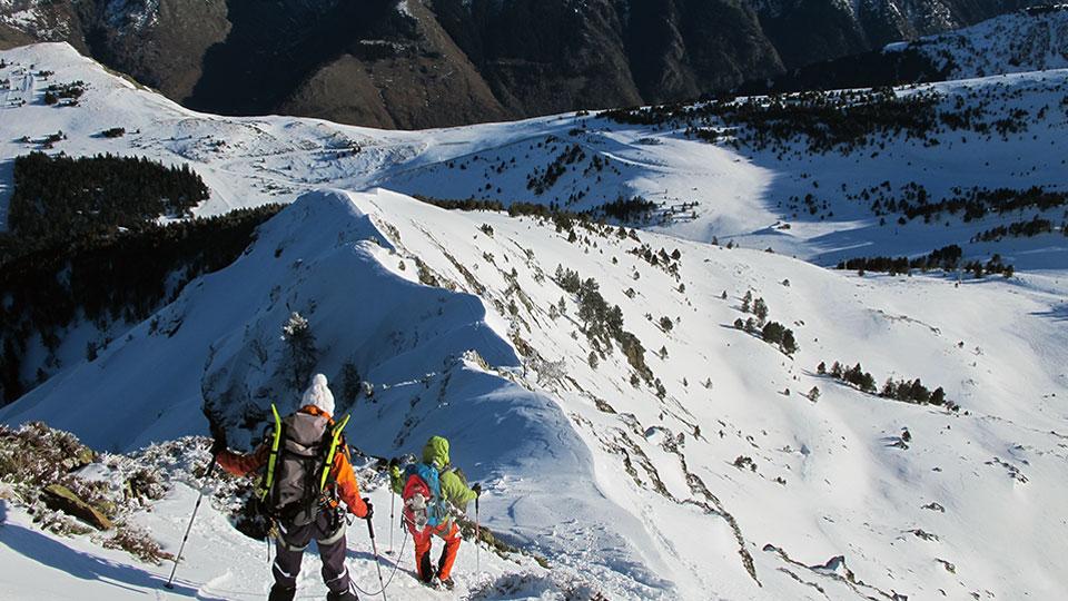 Alpinisme Hiver - Mes premiers pas d'alpiniste à Ax 3 Domaines - Bureau des Guides Ariège Pyrénées - 6