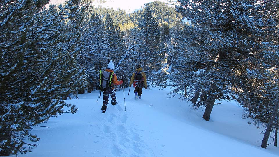 Alpinisme-hiver-Raquettes-Alpinisme-Ax-Bureau-Guides-Ariege-Pyrenees-3
