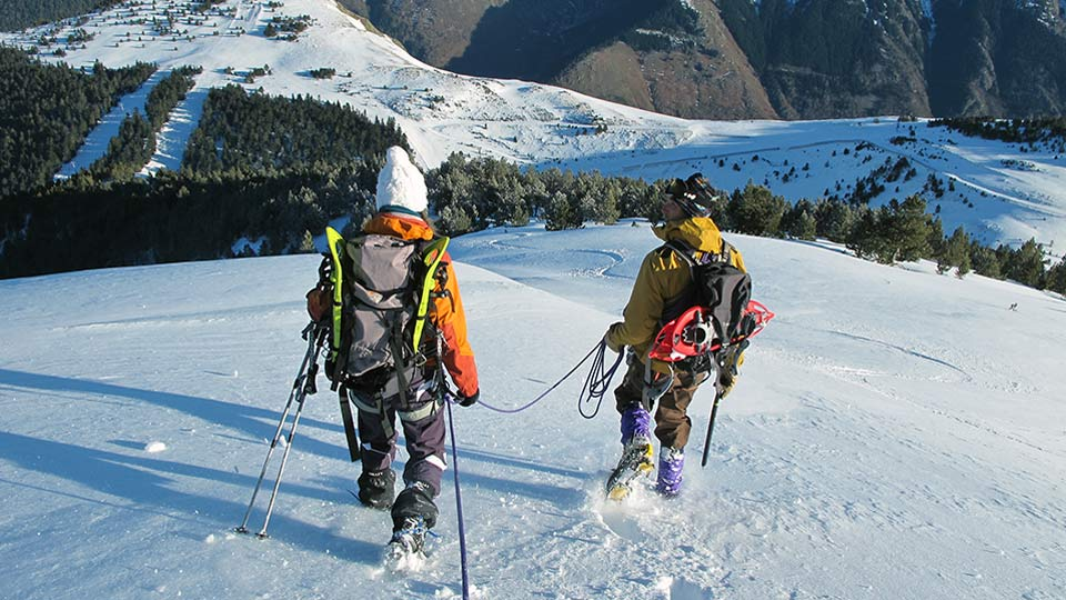 Alpinisme-hiver-Raquettes-Alpinisme-Ax-Bureau-Guides-Ariege-Pyrenees-4