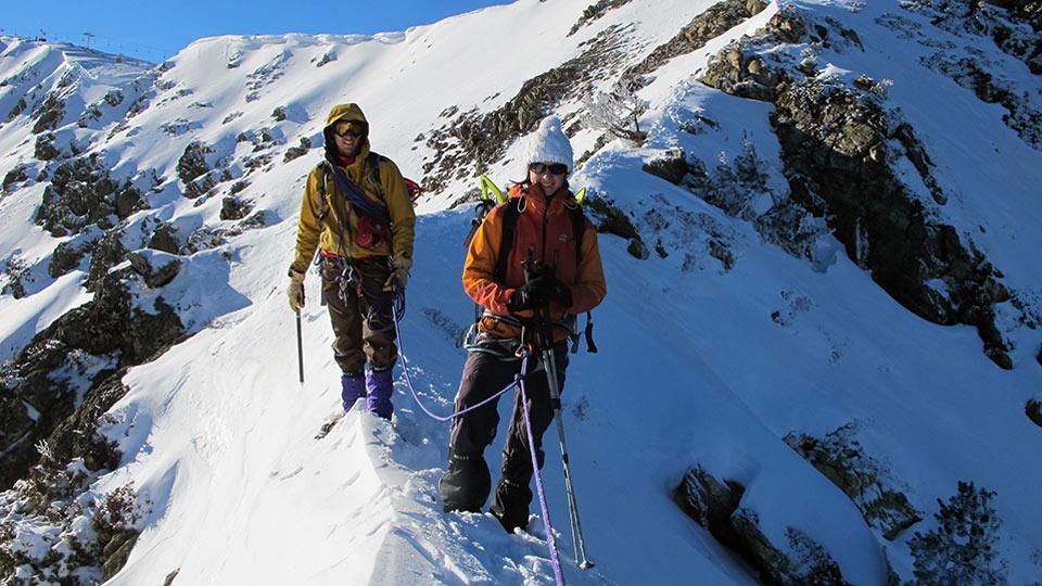 Alpinisme Hiver - Mes premiers pas d'alpiniste à Ax 3 Domaines - Bureau des Guides Ariège Pyrénées - 5