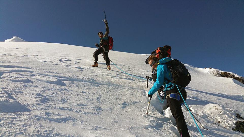 Alpinisme Hiver - Raquette Alpinisme Sommet - Bureau des Guides Ariège Pyrénées - 8