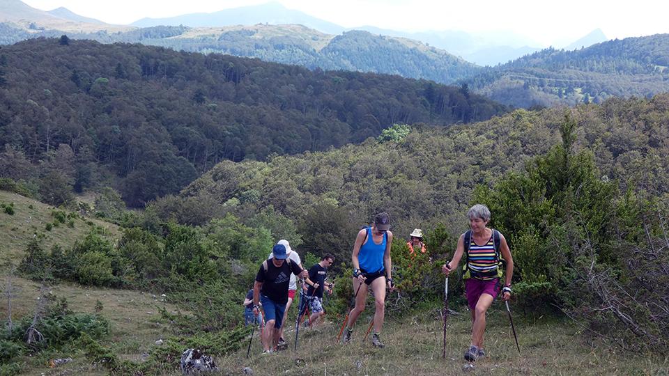 marche-nordique-bien-etre-guides-ariege-pyrenees